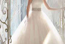Wedding Dress Ideas / Ideas for a wedding dress / by Alyssa Bean