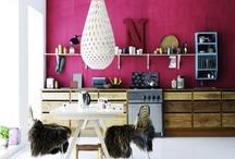 decorate l interiors / by Julia