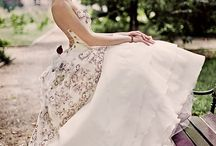 Gorgeous Dresses / by Elizabeth Haney