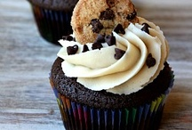 Cakes, Cupcakes & Muffins / by Southern Princess