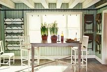Kitchens / by Kay Holsted