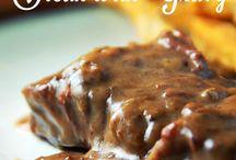 Crockpot meals / by Jamie Newton