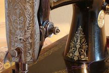Vintage sewing machines / Beautiful machines from the past / by Miri Nunes