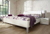 Bedden : design, trendy, modern / Een bed om op te slapen, design van een ontwerper of trendy / by Slaapkenner Theo Bot