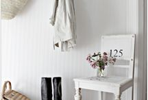 beach cottage decor / by Ashley Olsen