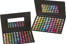 Make-up kits I like / by Haley Anderson