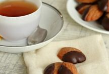 Cute Madeleines / So many recipes for these delightful pastries / by Deb Miles