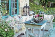 Outdoor retreats / by Michelle Billings