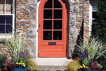 Doorways / by < Hannah >
