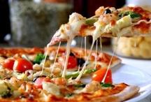 Pizza, Calzone, Stromboli, Focaccia / by Gabriel Ribeiro