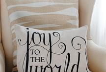Pretty Pillows / by Julia Eigenbrodt