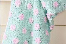 Baby crochet blanket / by Amera Yosri