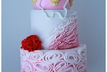 Cakes and Cupcakes / by Paula Julian