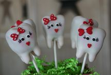 cake pops / by Renee Upton
