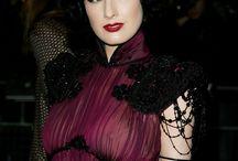 Sexy, Glamorous & Gothic  / by Emma Lockwood