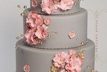Cakes inspirations / by Betza Lindgren