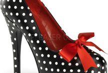 Zapatos / by Vanesa Barbacil