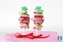 gifts_celebsTreatsNfavours / diy... favours... cupcakes... / by Pixel Musings