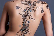 Body Art / by Lindsie Goss