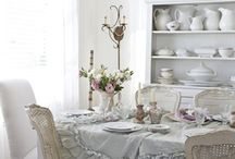 Country chic decor / Shabby chic.  / by Clara Singleton