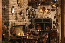 Colonial and Saltbox Home Decor / by Kathy Laws