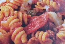 Crockpot Recipes / by Kayli Stammen