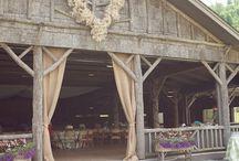 Barn weddings / by Colleen Niewinski