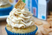 Cupcakes / by Teresa Cook