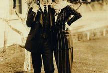 Les élégantes : 1920s,  1930s / by Valérie sénéchal