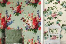 vintage floral wallpaper <3 / by Elizabeth Lyn