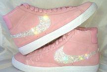 shoes / by Davina Garcia