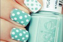 Nails & Make-Up / by Jessica Ervin