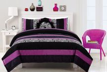 Auctions and Deals / by SweetPeachesBedding