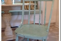 fUrnitUre pAintinG/rEvamPiNg / by Kellie Vomastic