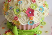 Cake/cupcakes / by Linda Allen