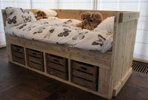 DIY furniture / by Vivian Rutten-Simons