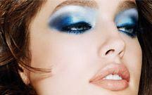 Makeup / by Stephani Chandler
