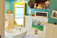 Bathroom Creativity / by Cari Barksdale