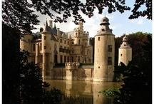 Castles / by Bonnie Tallo