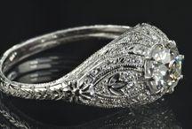 Vintage & Estate Jewelry / Vintage and estate jewelry on Ruby Lane www.rubylane.com #estatejewelry #vintagejewelry / by Ruby Lane Vintage