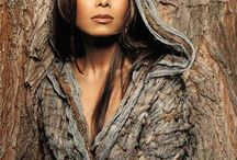 Celebrities/Beauty Icons I like / by Tonya Lee