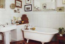 Bathrooms / by Adrienne Chu