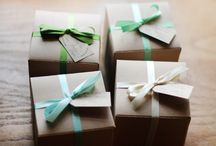 Gift Wrapping Ideas / by Anna Kallkopf