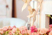 Wedding Decor/Flowers / by Elaina Willhite