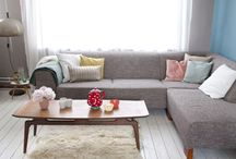 Living rooms / by Julie Bermijo