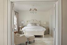 Dormitorios / by María Teresa Callejas