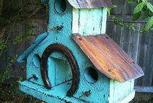 Garden Ideas I Love / by Jennifer Crow