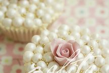 Cupcakes Galore / by Tracy Seniuk