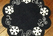 penny rugs / by Maureen Dodsworth