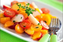 Salads, vegetables, fruits / by Marina Daylis